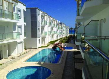 Vu sur piscines dans la résidence Nadine par kahloun Immobilière